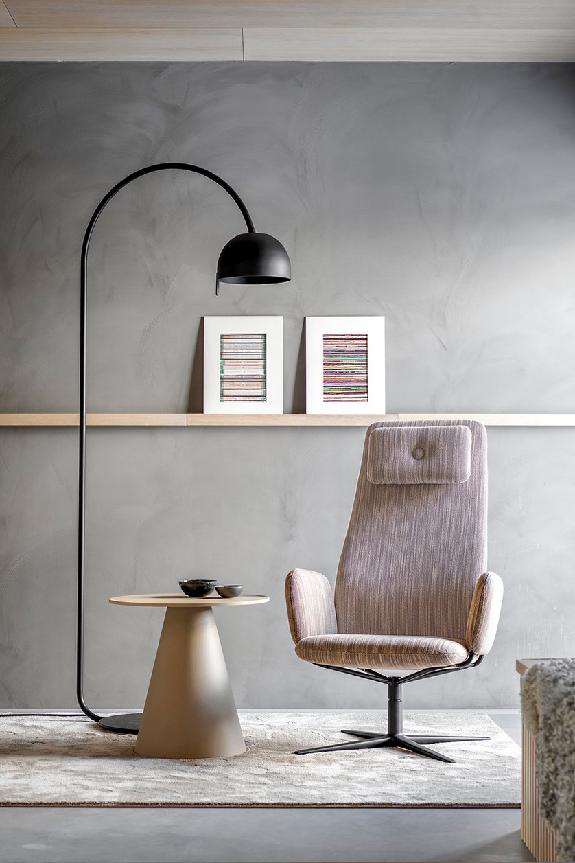 Bob floor lamp (black)